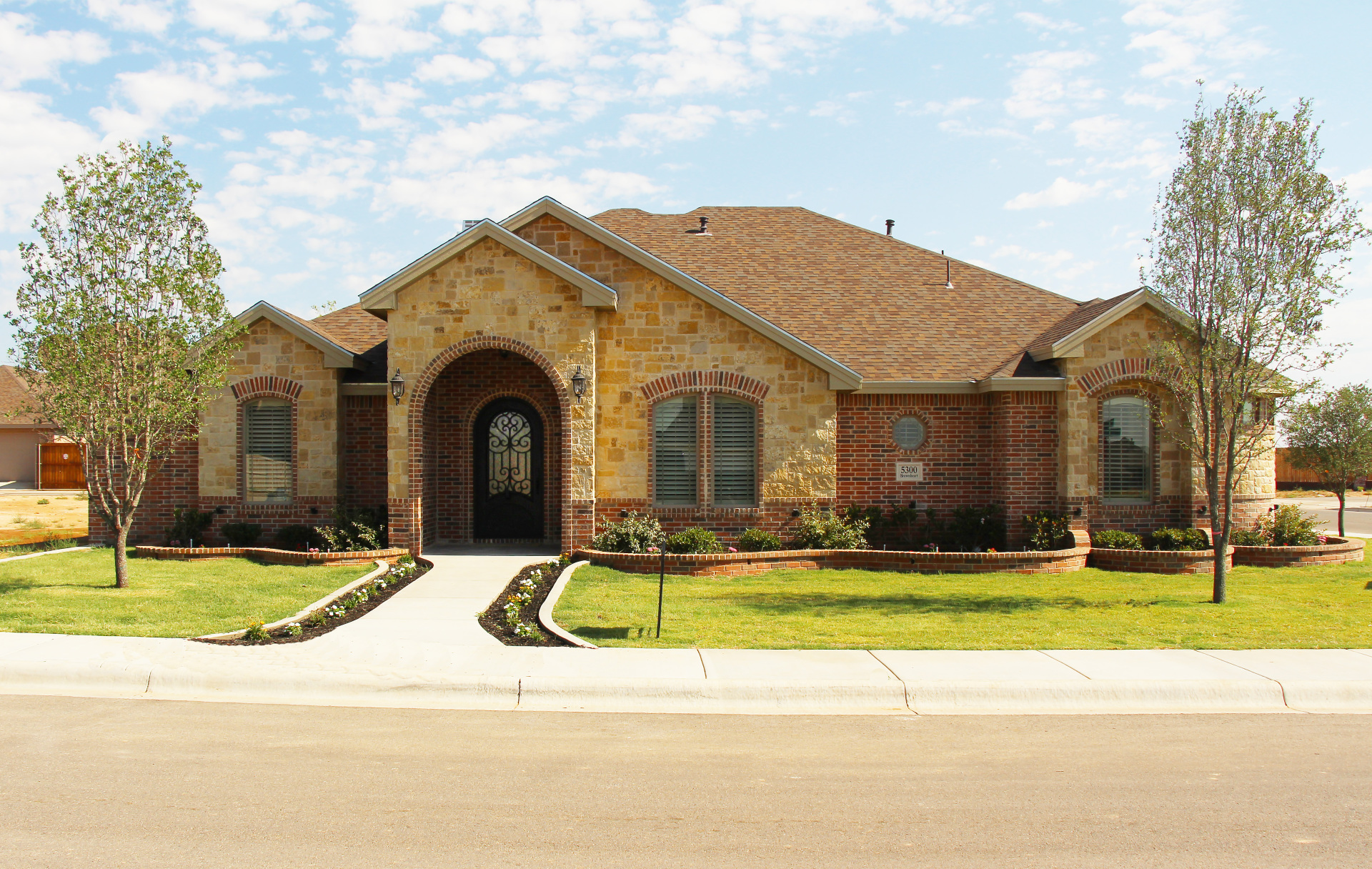 5300 Brown Heart Ln Midland, TX 79707 4bed/3bath 2,757sqf